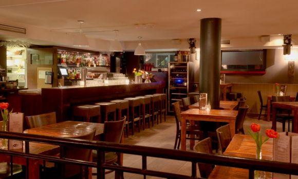 Aperitivo Café Restaurant